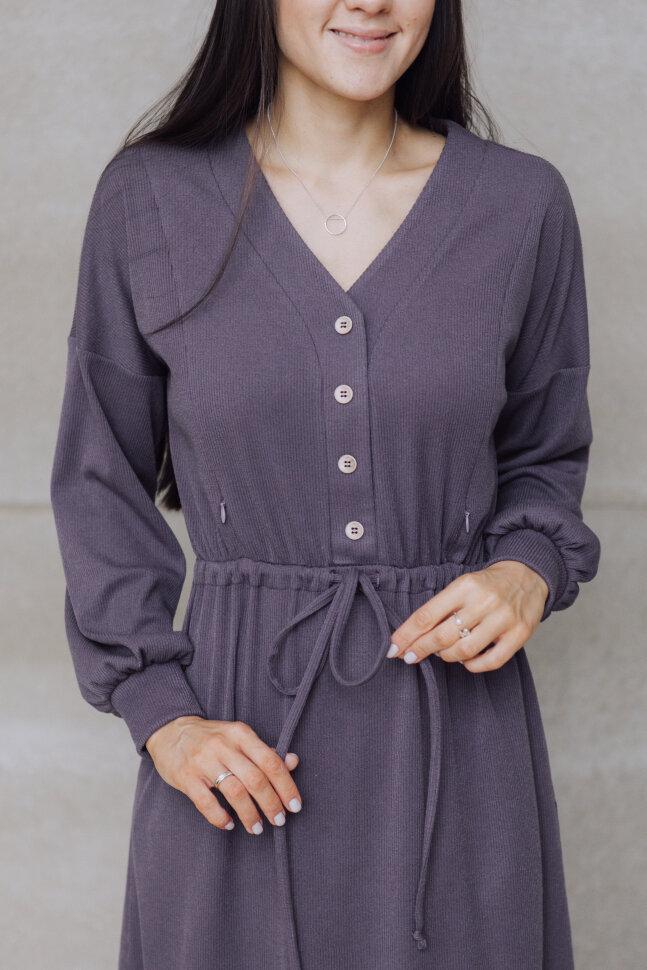 Платье со спущенным рукавом, черника с молоком