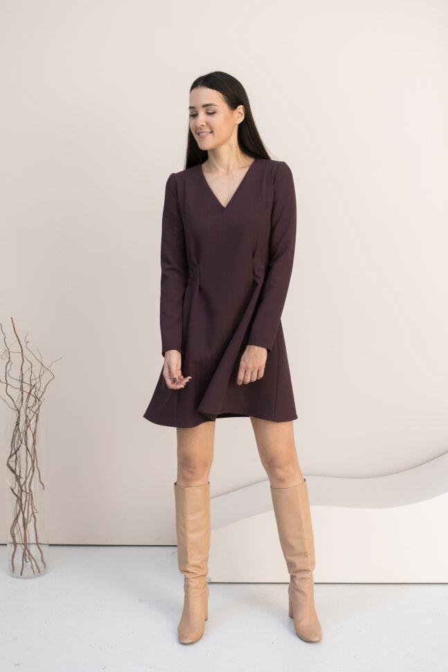 Платье с вытачками, ягодное